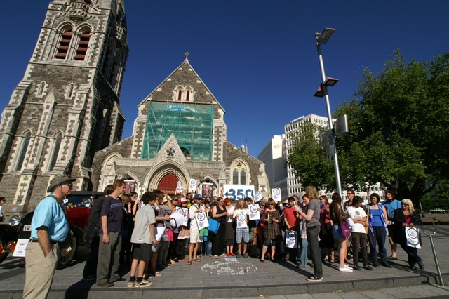 350 Otautahi-4 Vigil For Survival 12Dec09